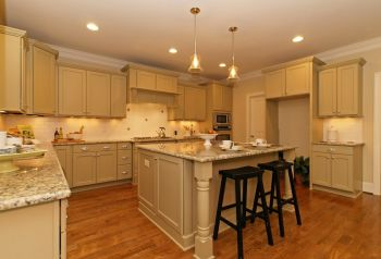 thumb_123_011_Kitchen.jpg